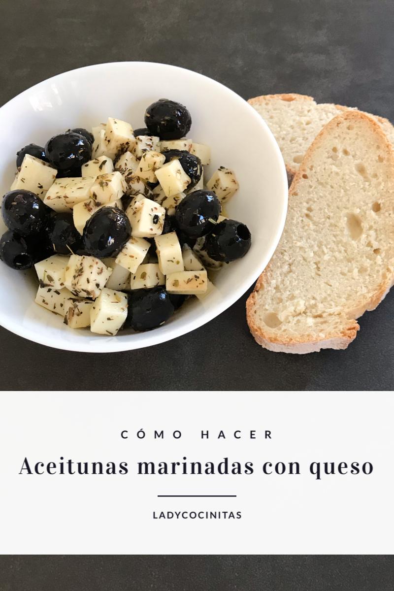 Aceitunas marinadas y queso