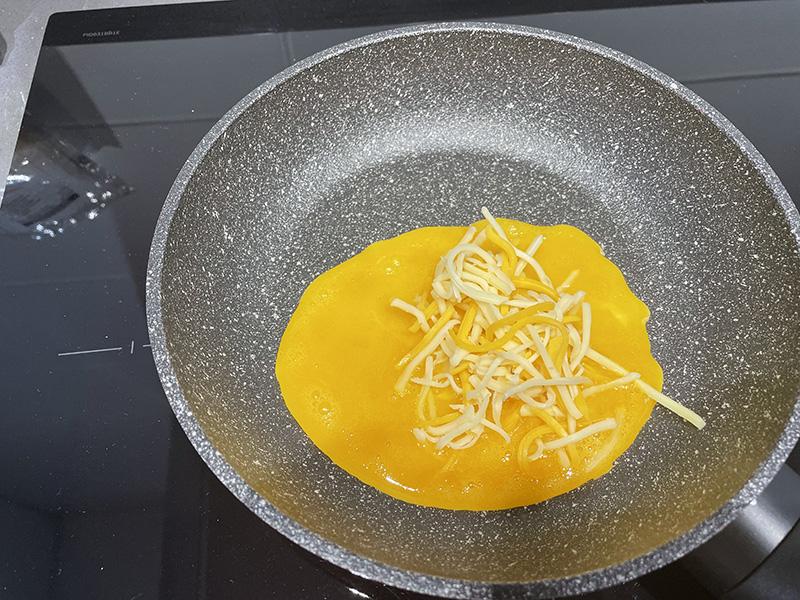 Yema de huevo y queso